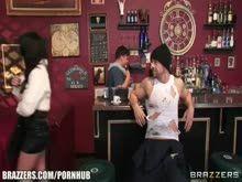 Duas cenas de sexo com lindas mulheres