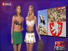 Mulher pelada na televisão dando as noticias