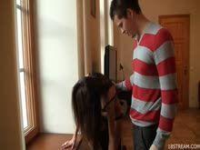 Comendo a irma do amigo e o cara filmando