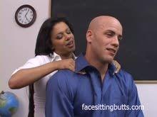 Baixa videos porno de professora peituda fodendo